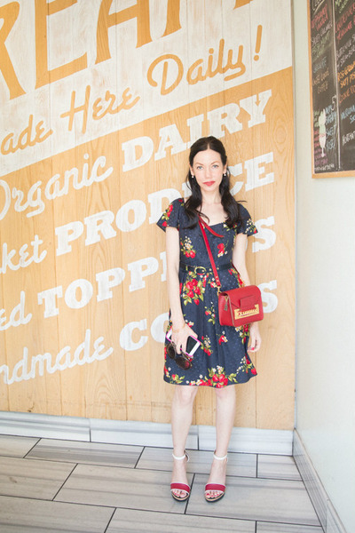 navy Juicy Couture dress - brick red Sophie Hulme bag