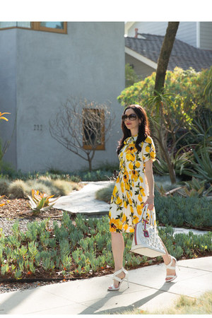 white nicole lee bag - yellow shein dress - brown Gucci sunglasses