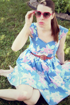 sky blue vintage dress - hot pink Urban Outfitters sunglasses