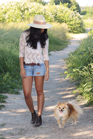 Dolce Vita top - Pencey boots - free people hat - free people shorts