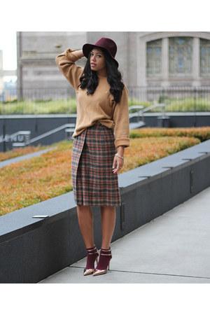 banana republic hat - Vintage DKNY sweater - thrifted vintage skirt - Zara pumps