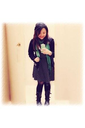 black unknown boots - green Splash scarf - black new look stockings