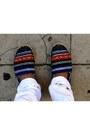 Silver-aldo-shoes-white-slim-fit-zara-jeans-navy-polka-dot-h-m-shirt