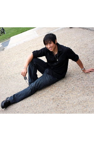 black Converse One shirt - blue Old Navy jeans - black Mossimo shoes - black Alf