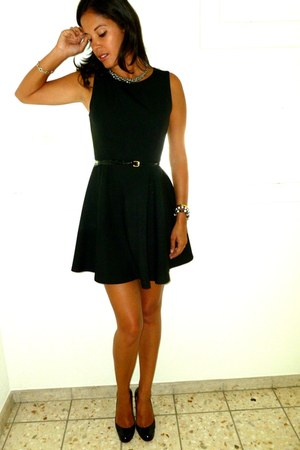 Zara dress - H&M belt - Christian Louboutin wedges