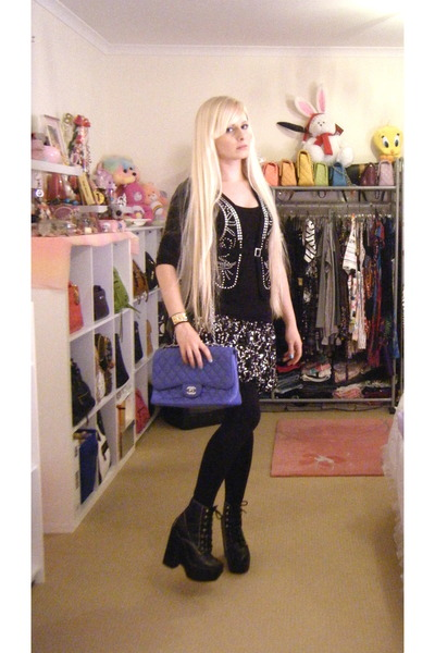 4ee92dc3fee0 black tardy Jeffrey Campbell boots - blue 255 Chanel bag - silver Sequin  skirt