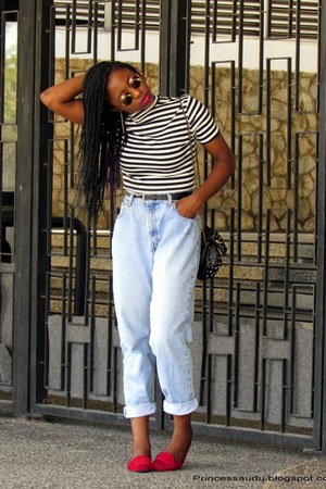 boyfriend jeans thrifted vintage jeans - Choies shirt - Choies glasses
