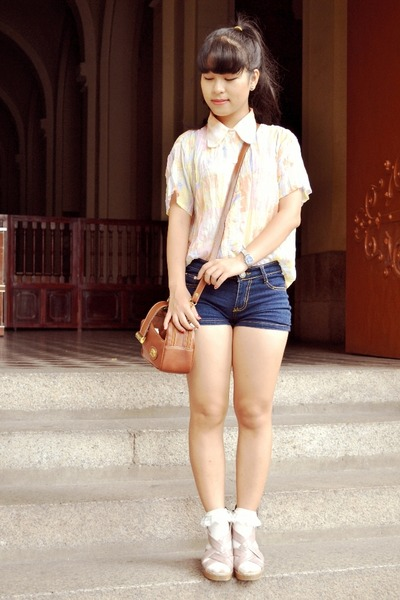 peach vintage shirt - tawny thrifted vintage bag - blue local stores shorts