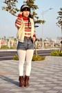 Ruby-red-knitted-vintage-sweater-white-fur-vintage-vest