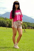 light orange floral print shorts - hot pink cropped t-shirt