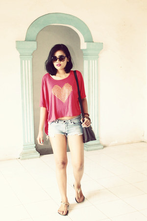 brown bag - denim shorts jeans - brown sunglasses - nude sandals - top