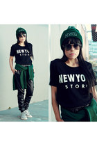 beanie hat - dark brown sunnies sunglasses - black pants pants - Tee t-shirt