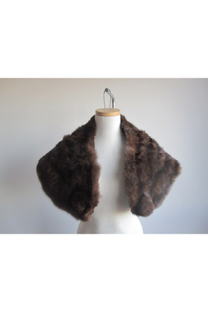 shawl fur Promise To Repeat cape