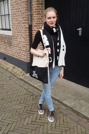 light blue Asos Ridley jeans - white black Monki scarf