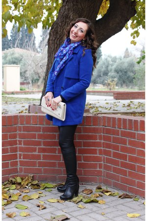 blue Romwecom coat - black Zoopa boots - cream Dogo bag - teal Mango top
