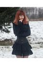 Black-second-hand-dress