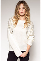 boutique brand sweater