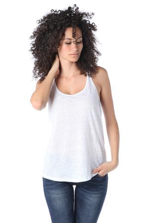 q2 shirt