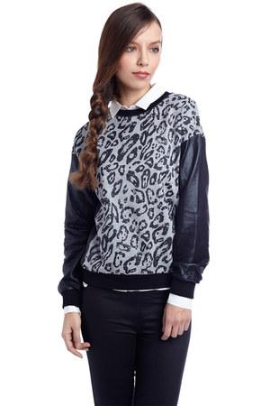 q2 sweatshirt