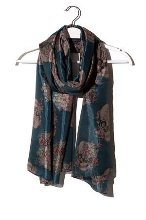 q2 scarf