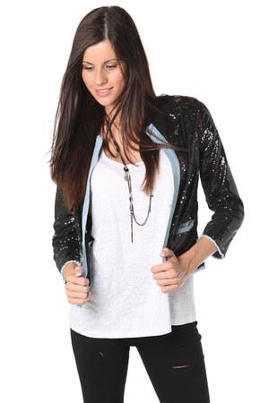 q2 jacket