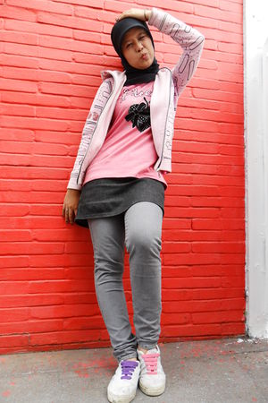 pink O-zone jacket - pink t-shirt - black Mini Skirt Jeans skirt - silver Levis