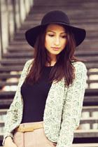 eyelet Zara blazer - H&M t-shirt - Zara pants - Zara heels