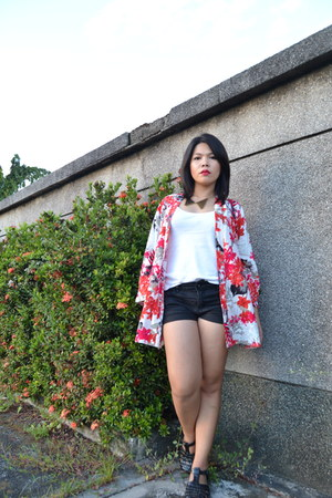 red black shorts - kimono Sheinside cardigan - white top - accessories
