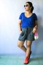Nike-shoes-west-seal-shirt-champion-shorts-sunglasses