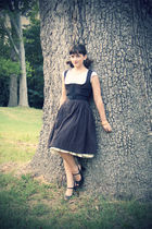black dirndl vintage dress - black peep toe Steve Madden shoes
