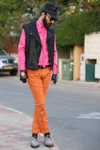 carrot orange skinny Zara jeans - bubble gum Zara shirt - black Top vest