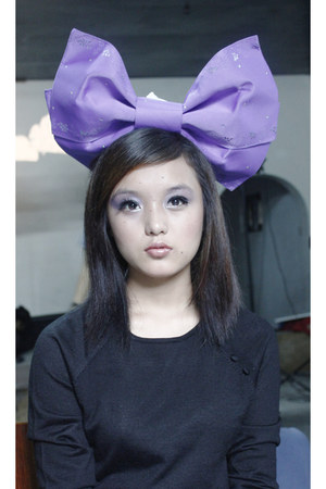 black sweater - violet kimonos bow accessories