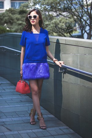 blue Three Floor dress - orange mini peekaboo Fendi bag