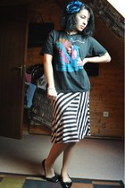 black vintage t-shirt - light pink Wet Seal skirt - black new look flats - pink