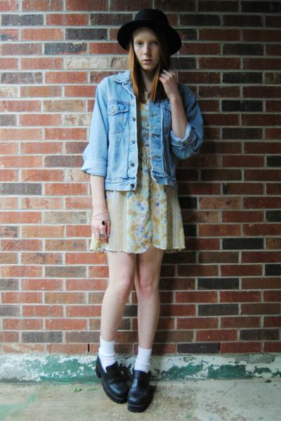 platform thrifted shoes - floral thrifted dress - bowler H&M hat