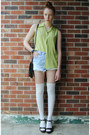 Light-blue-dip-dye-diy-shorts-white-knee-high-ardene-socks