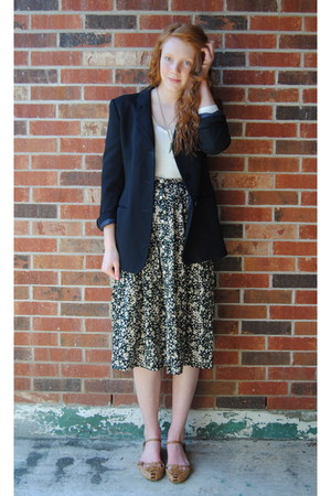 cream worn underneath H&M dress - black thrift blazer - dark green thrift neckla