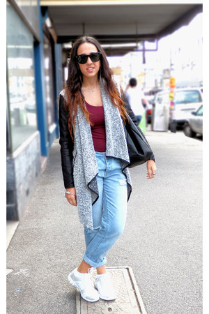 bardot cardigan - boyfriend jeans cotton on jeans - handcuff Parfois accessories