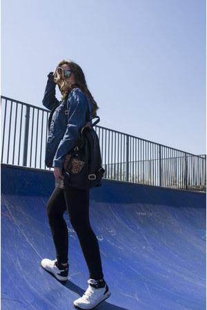Decathlon leggings - Vans sunglasses - Decathlon blouse - nike sneakers