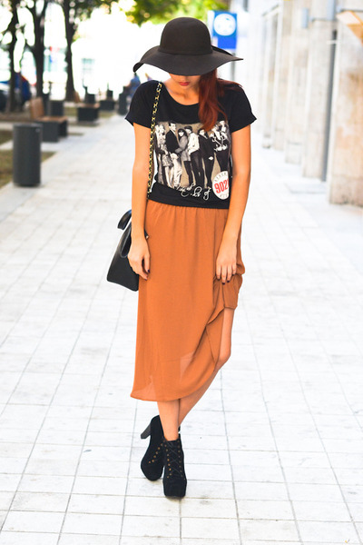 kurtmann t-shirt - Stradivarius hat - sammydress bag - kurtmann skirt