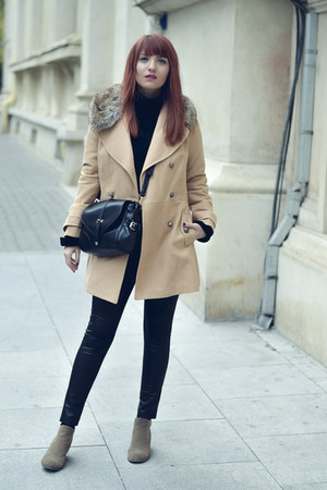 Romwecom coat - Dolce Vita boots - Jaduro bag