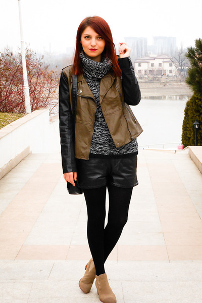 Blank Denim jacket - Dolce Vita boots - romwe shorts