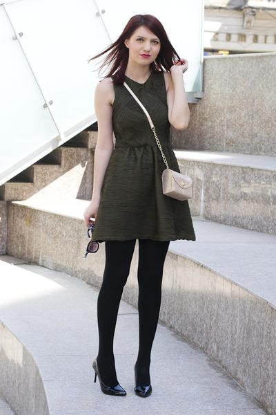 Lashez dress - Accessorize bag