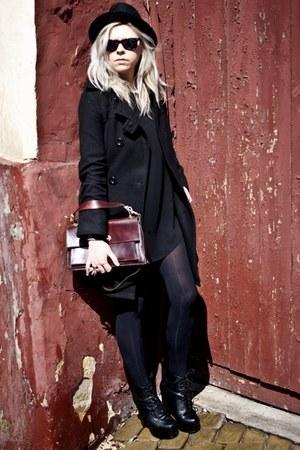 black vintage hat - black Orsay coat - brick red vintage bag
