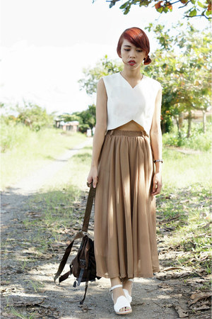 dark brown knapsack Prada bag - ivory cropped DIY top