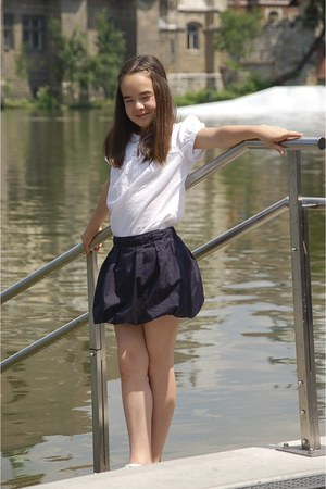 white H&ampM blouse - navy onion skirt