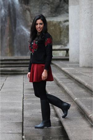 Forever 21 sweatshirt - Decathlon boots - Primark coat - Zara skirt