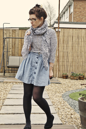 light blue H&M skirt - black Primark scarf - black new look top
