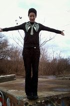 black Teenage Runaway hoodie - black Sketchers shoes - black Old Navy pants