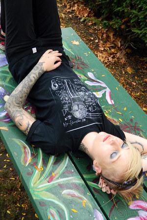 black imaginary t-shirt - black Dickies jeans